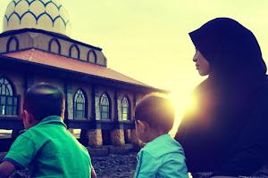 Abang, Adik N Ibu