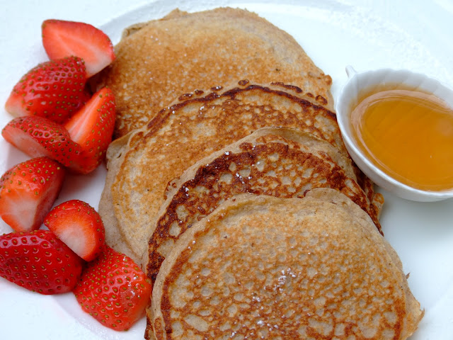 From Beyond My Kitchen Window: Biggest Loser Oatmeal Pancakes