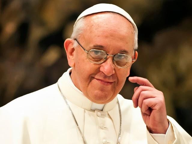 Papa suprime o título de 'monsenhor' na Igreja