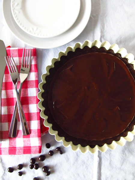 Chocolate Tart with Vanilla and Espresso Powder