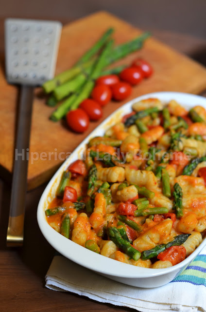hiperica_lady_boheme_blog_di_cucina_ricette_gustose_facili_veloci_primi_piatti_gnocchi_e_asparagi_1