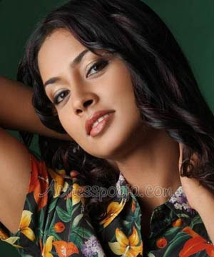 Tamil-Actress-Hot-Pooja-Umashankar