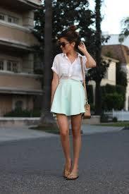 mint green com camisa branca