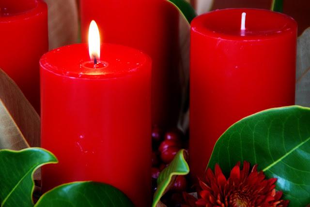 Simple girl advent wreath centerpiece