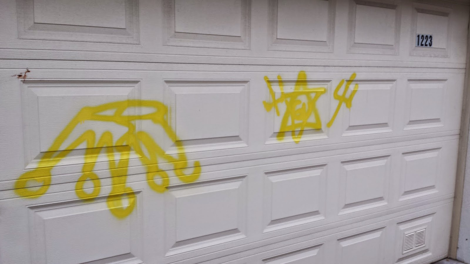 Cwb chicago painting the town lakeview garage damage linked to symbols typical of the gangster disciples street gang on a garage in the 1200 block of roscoe last weekend police believe these tags were placed for shock buycottarizona Choice Image