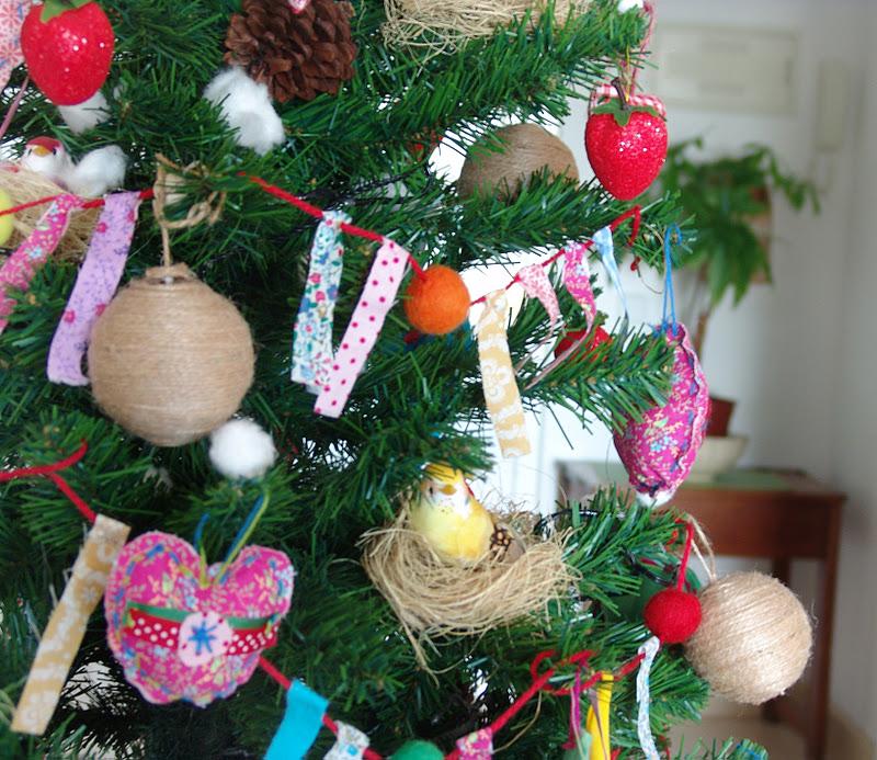 Lalibelula arbol de navidad con adornos de fieltro y tela - Adornos de navidad de tela ...