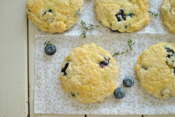 flaky blueberry scones