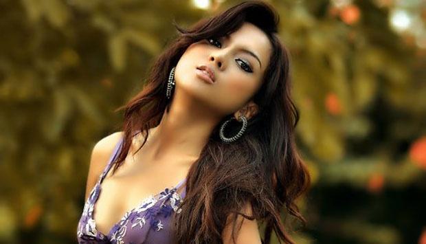 Foto Bugil Anggita Sari Model Seksi Istri dari Freddy Budiman