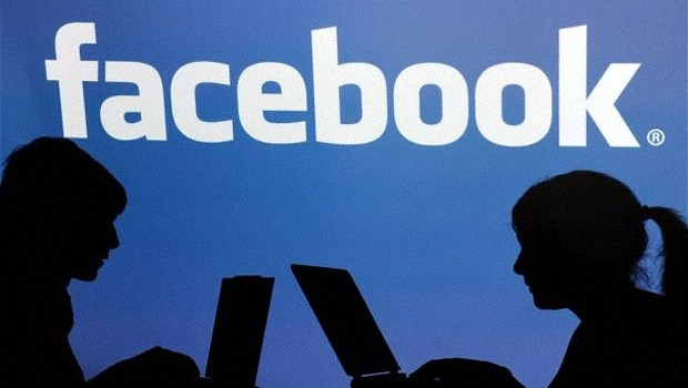 Facebook sustituye correo personal de usuarios