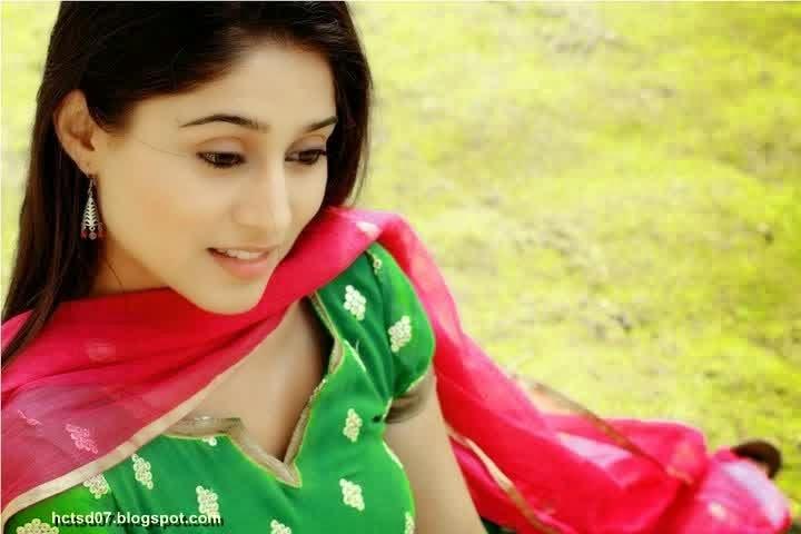 Soumya Seth Sebagai Pemeran Navya