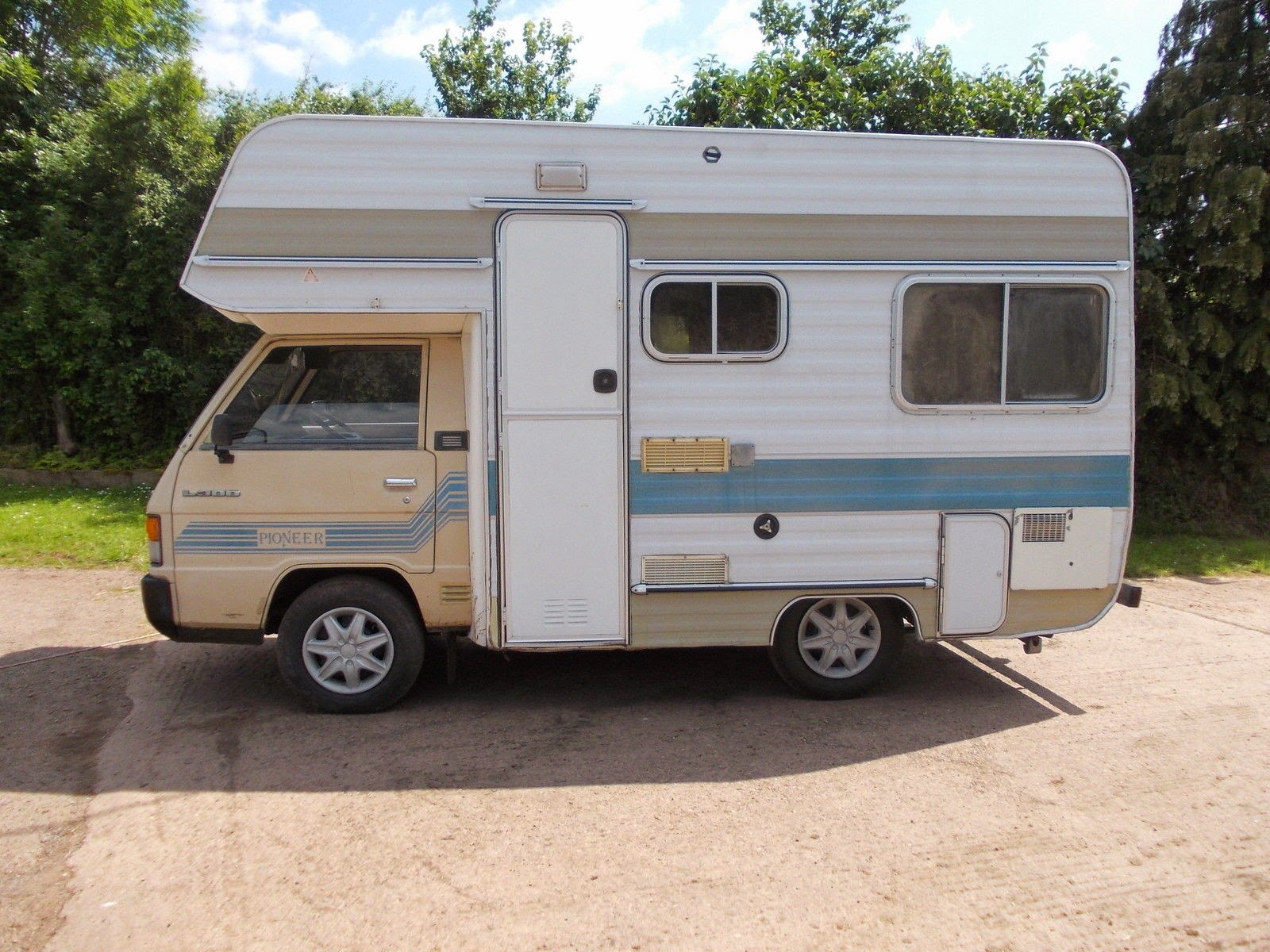Used Rvs Mitsubishi L300 Pioneer Small Motorhome For Sale