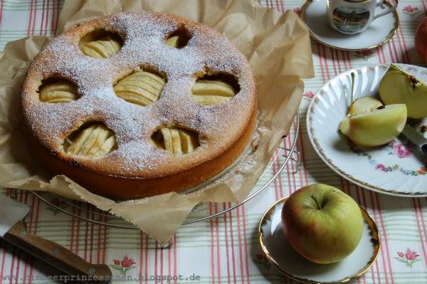 Apfelkuchen Goldrand Geschirr Apfel Himbeerprinzesschen Foodblog