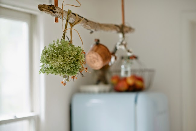 #eclecticallyfall  DIY Copper + Driftwood drying rack