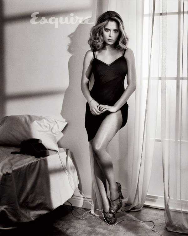 Scarlett Johansson Poses Extremely Hot For Esquire Magazine