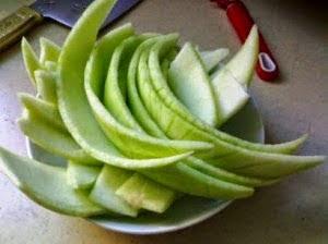Manfaat kulit buah semangka untuk kesehatan dan Kecantikan Wajah