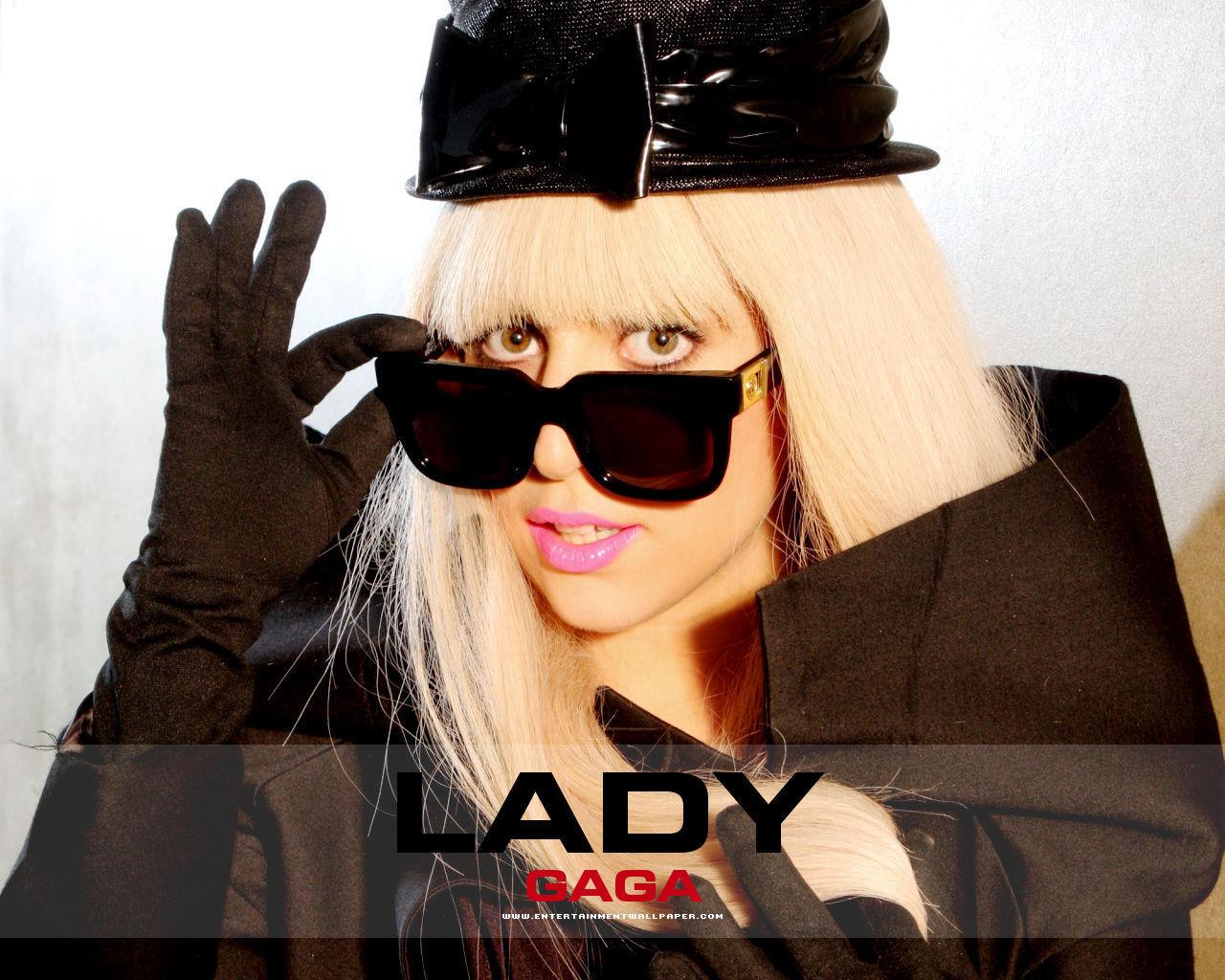http://4.bp.blogspot.com/-lM42lhuwYXc/TWSoWxfz2RI/AAAAAAAAByA/VbjC2qj0yD4/s1600/Lady+Gaga+%255BThewallpaperdb.blogspot.com%255D+%25284%2529.jpg