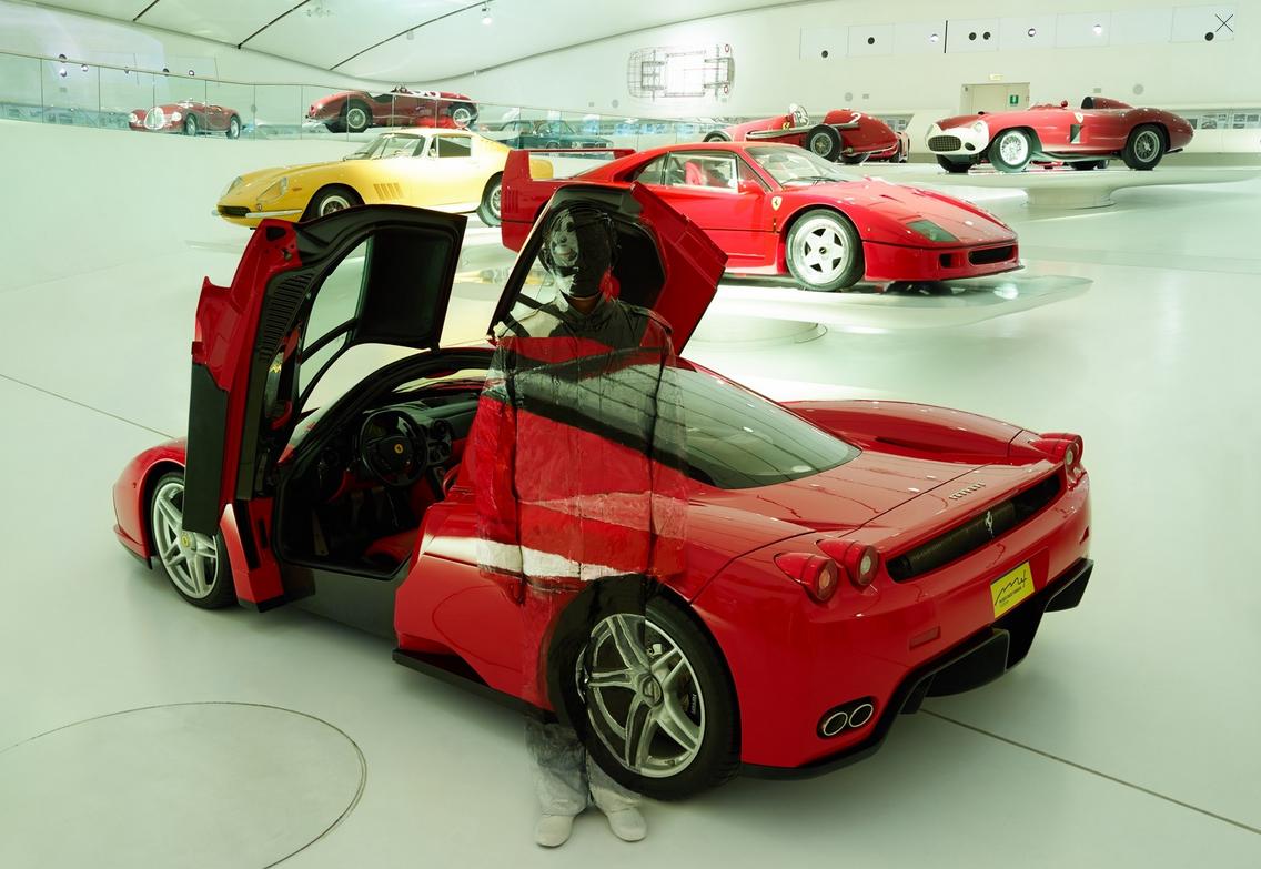 05-Ferrari-Enzo-Liu-Bolin-Find-The-Painted-Invisible-Man-www-designstack-co