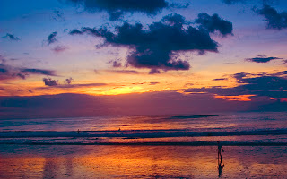 Senja di pantai kuta bali