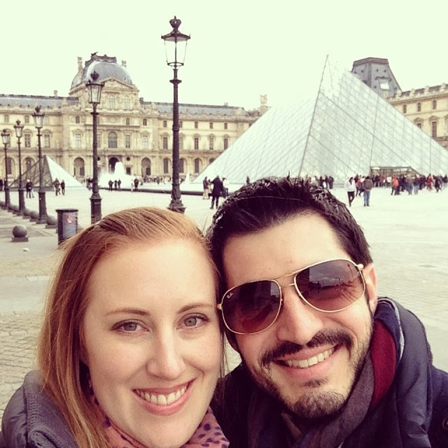 Paris proposal and engagement Louvre Museum in France