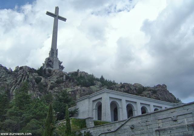 La Cruz del Valle de los Caídos en Madrid