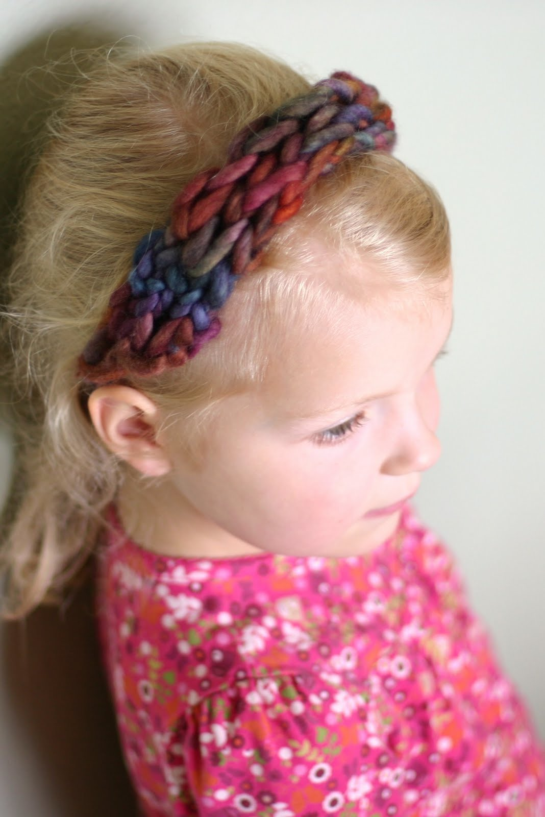 Finger Knitting For Kids : Frontier dreams four finger knitted headband a tutorial