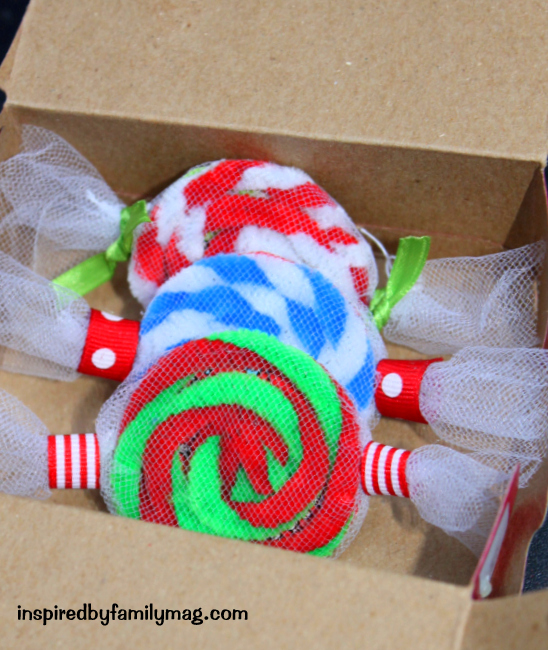 Simple Homemade Christmas Ornaments: Easy Christmas Ornament Craft: Peppermint Candy