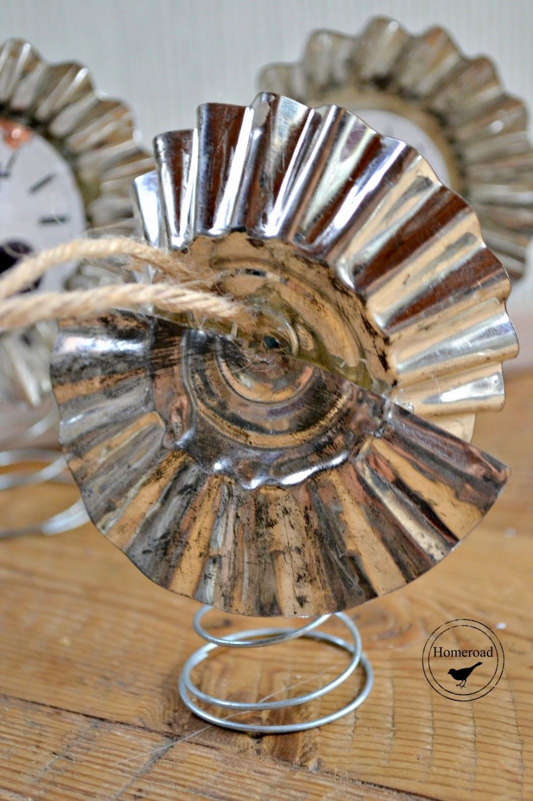 vintage tart tin clock face angel ornaments www.homeroad.net