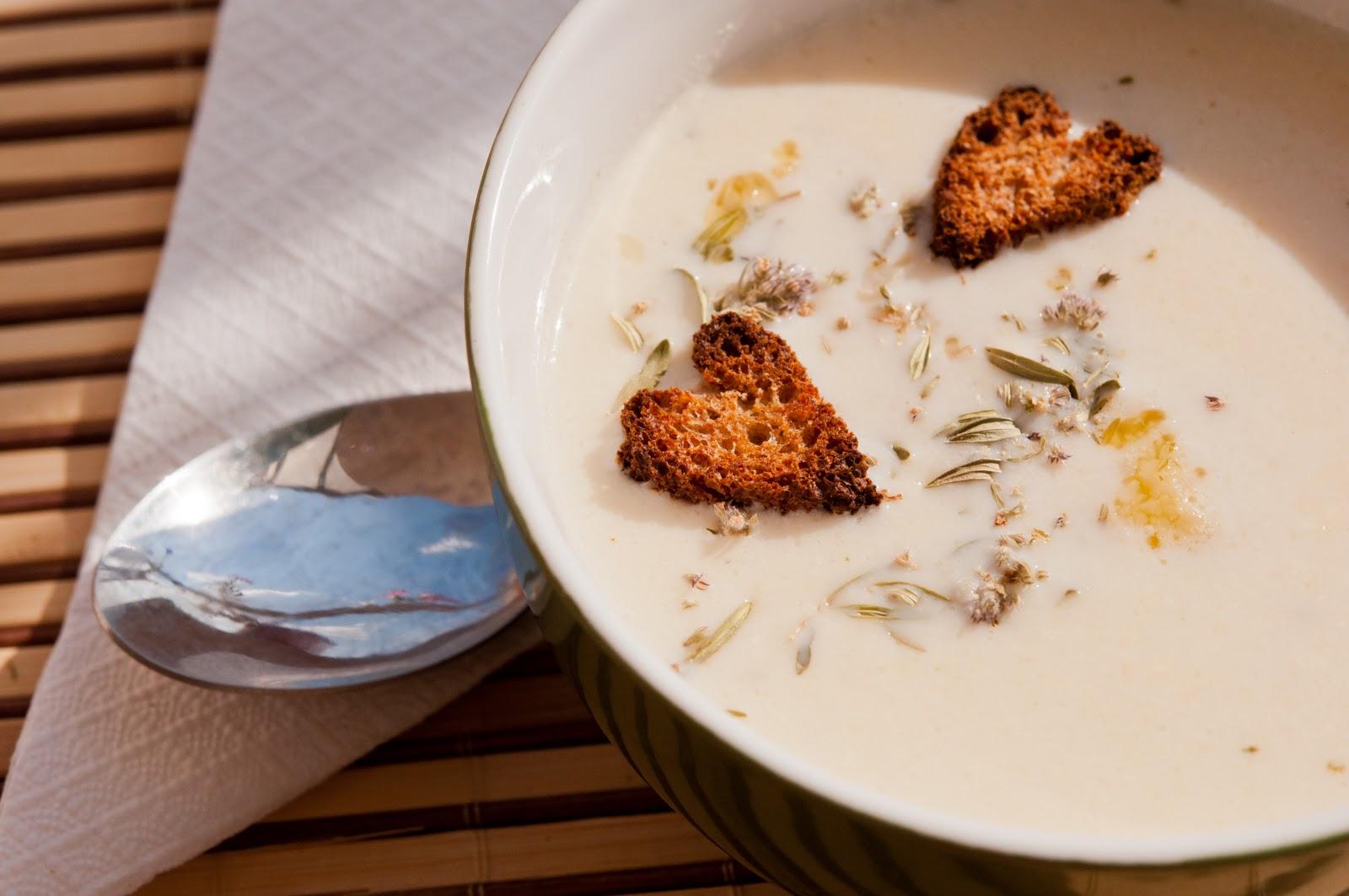 Крем-супа от печен карфиол / карнабит с мащерка
