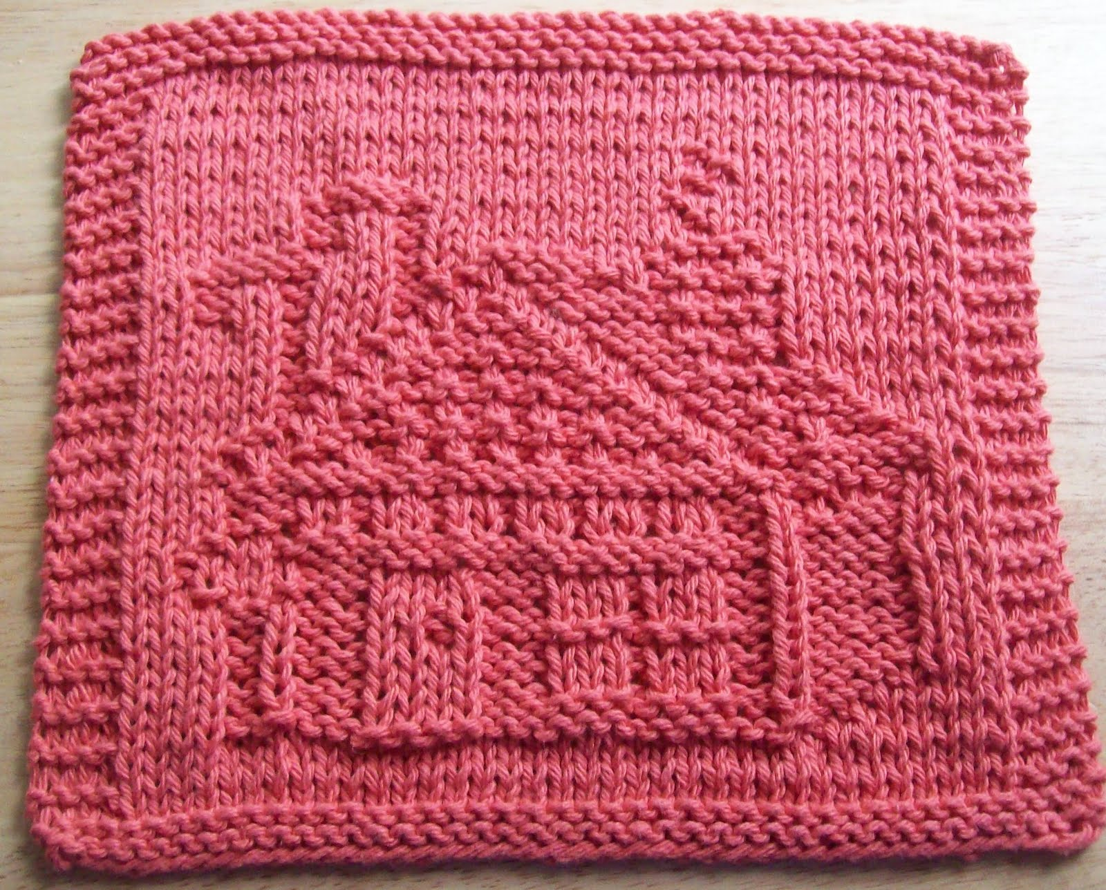 Pattern Knitted Dishcloth : DigKnitty Designs: Gingerbread House Too Knit Dishcloth ...