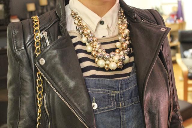 @expresslife #expstyle #zaranecklace #dungaree #l.a.m.b. #boots #zaramotojacket #leatherjacket #bikerjacket #zarabikerjacket #zaranecklace #HM #hmsweater #stripes #hmcanada #leopardprintboots #ankleboots #denimdungarees #denimoveralls #leopardprintankleboots #stradivarius #stradivariusjeans #zara #streetstyle #torontostreetstyle