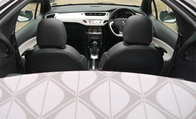 Citroen DS3 Cabrio roof opening