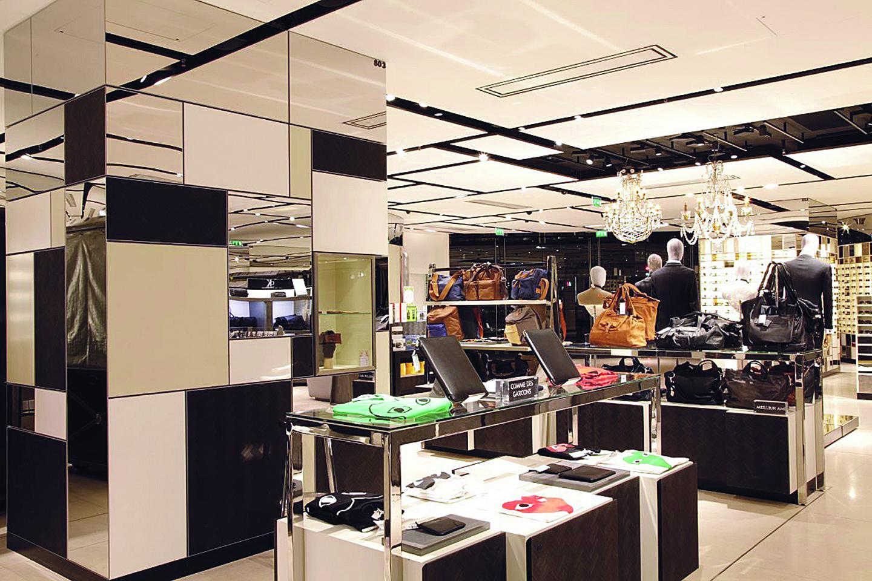 galeries lafayette unveil a 1000m2 ground floor of men s accessories the parisian eye. Black Bedroom Furniture Sets. Home Design Ideas