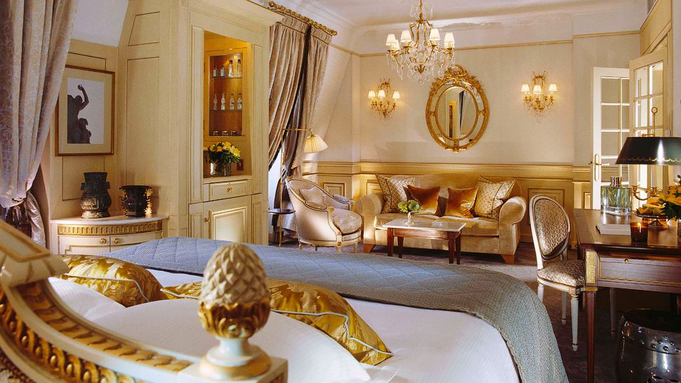 Passion for luxury le meurice paris for Top hotel france