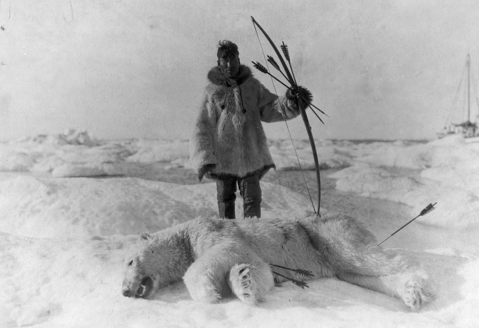 http://4.bp.blogspot.com/-lOOJ_CD_zVI/Tb6-0xVOxUI/AAAAAAAABv8/l1GyxtbPups/s1600/Eskimo+hunts+poar+bear-natam20loc.png
