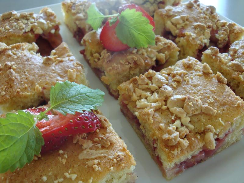 kage med frosne jordbær