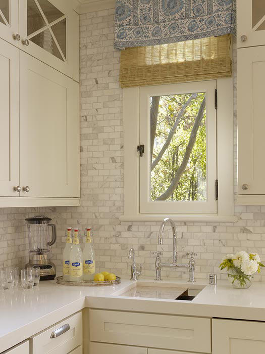 Create beauty hugging granite and the writing on the wall - Backsplash that looks like brick ...