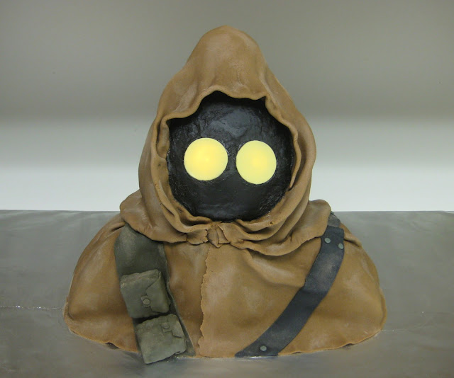 Star Wars 3D Jawa Cake with Glowing Eyes 1