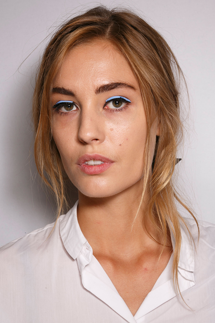 Nadja Bender backstage at Fendi ss15, beauty look, model, blue eyeliner