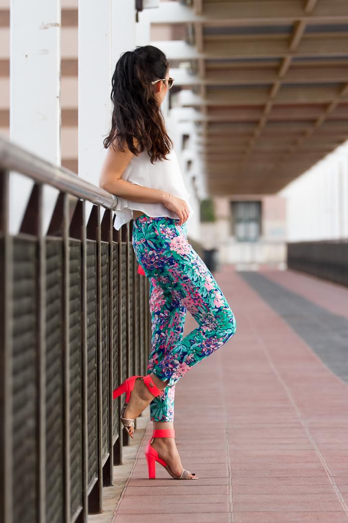 Outfit veraniego con colores ácidos Rosa