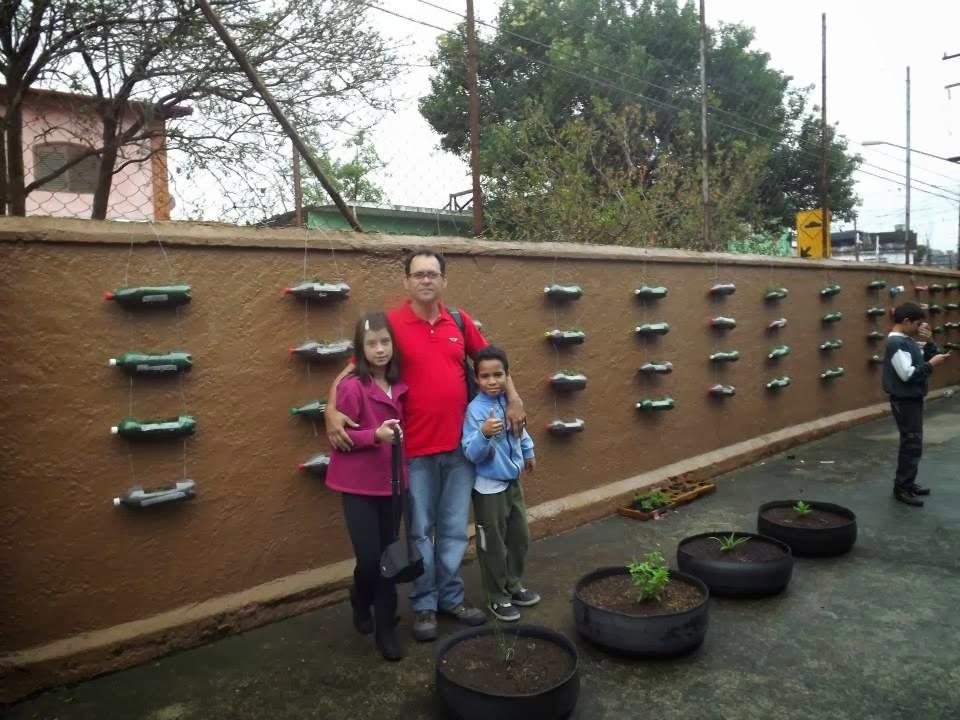 horta e jardim em pneus : horta e jardim em pneus:MGME2013 TURMA1 CIÊNCIAS: Jardim Vertical e Horta em Pneus.