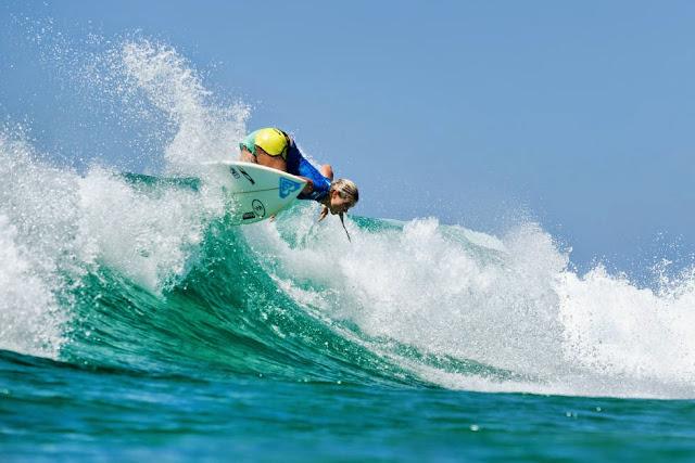 13 Roxy Pro Gold Coast 2015 Bronte Macaulay Foto WSL Kelly Cestari