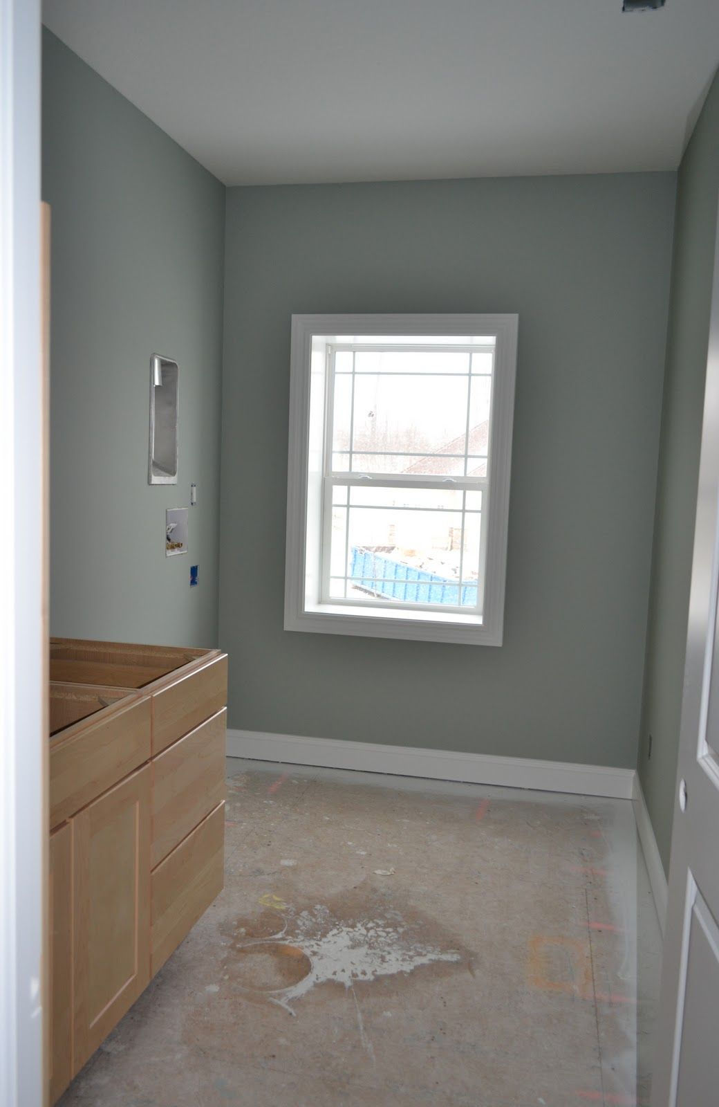 De jong dream house painting almost done - Sherwin williams comfort gray living room ...