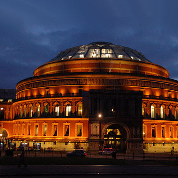 Israel matzav scum disrupt concert at royal albert hall for Door 4 royal albert hall