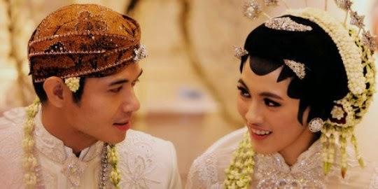 Pernikahan Alyssa Soebandono Dude Harlino