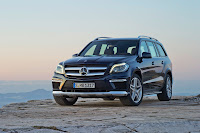 2012 all new Mercedes GL-class luxury suv offroad original press photo