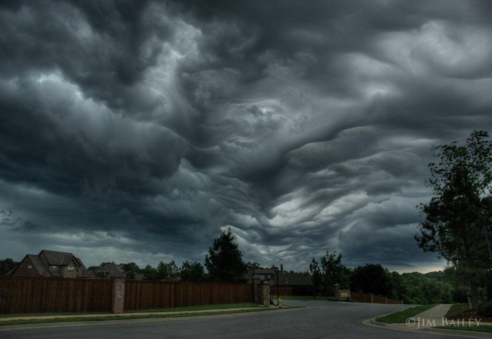 Atmospheric Phenomena: Video: Undulatus Asperatus - Clouds of ...