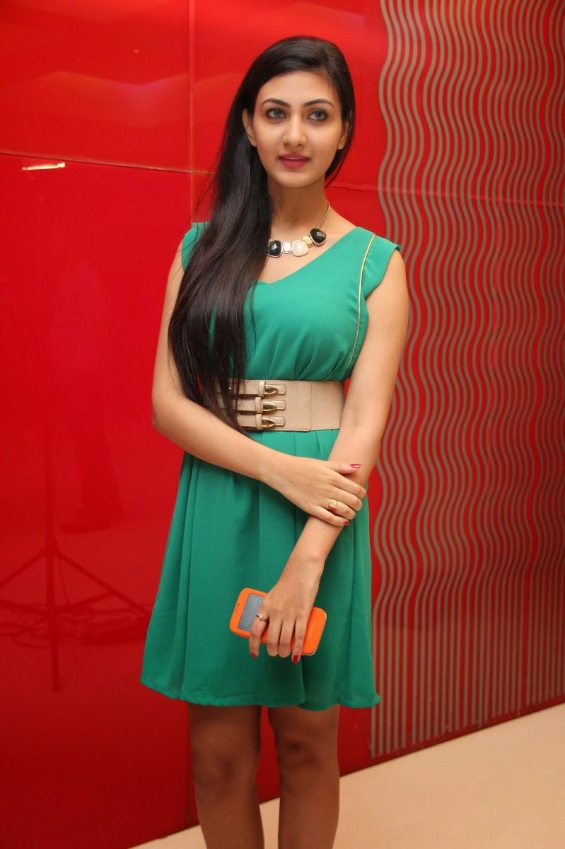 Neelam upadhyay latest photos-HQ-Photo-2