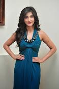 Shruti haasan glamorous photos-thumbnail-16