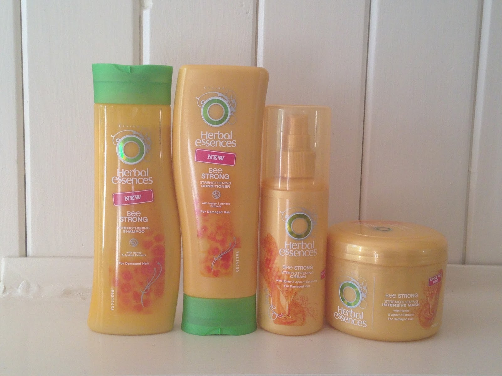 the Bluebird & the Robin : Review | Herbal Essences Bee Strong