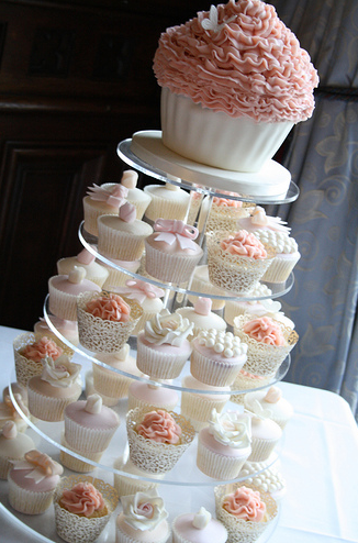 com tag vintage wedding cupcakes in peach ivory and pink